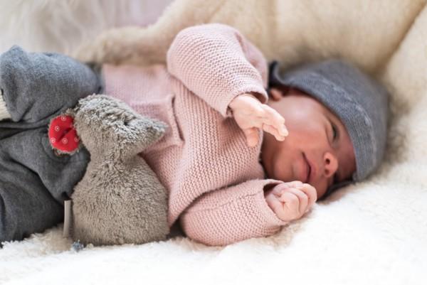Babykissen Lina die Maus mit Traubenkernfüllung