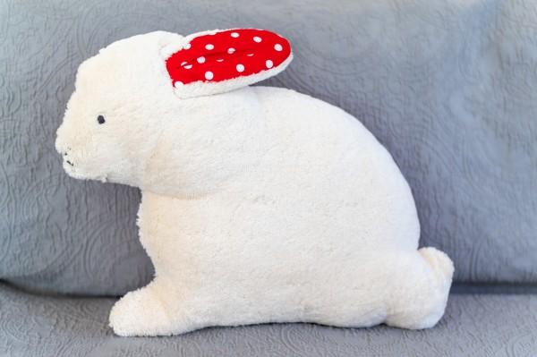 Schlaf - und Kuschelkissen Hennes der Hase