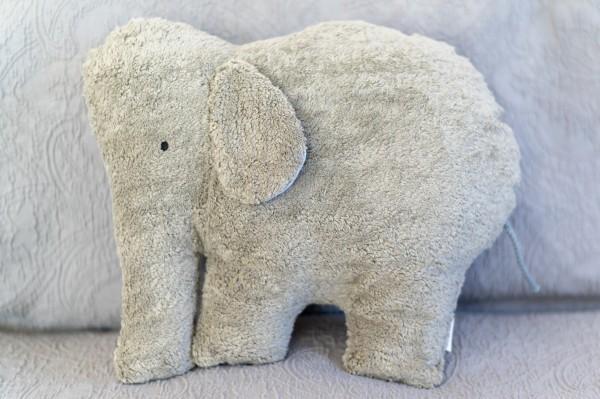 Schlaf - und Kuschelkissen Ole der Elefant - Bio Plüsch