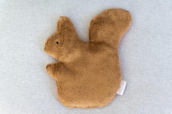 Kinderkissen Simon das Eichhörnchen mit Traubenkernfüllung - Bio Plüsch