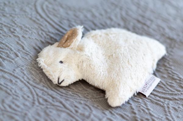 Babykissen Hennes der Hase mit Traubenkernfüllung - Bio Plüsch